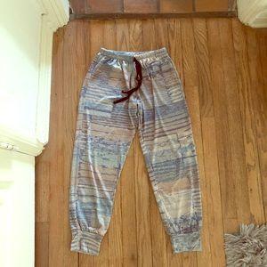 Onzie jogger pants